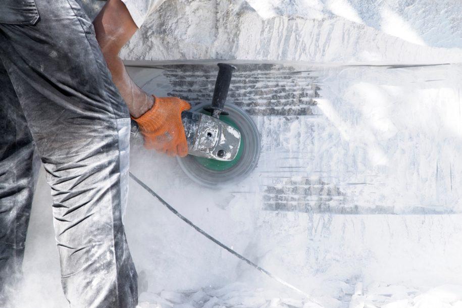 Kilaukan Kembali Granit Yang Memudar Dengan Alat Dan Cara Poles Granit Berikut Ini!