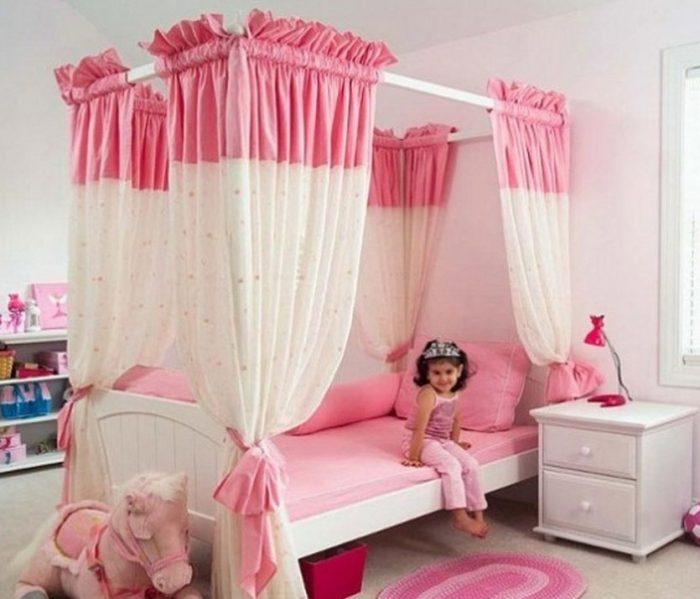 Desain Interior kamar anak tema putri