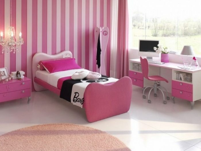 Desain Interior kamar anak tema barbie