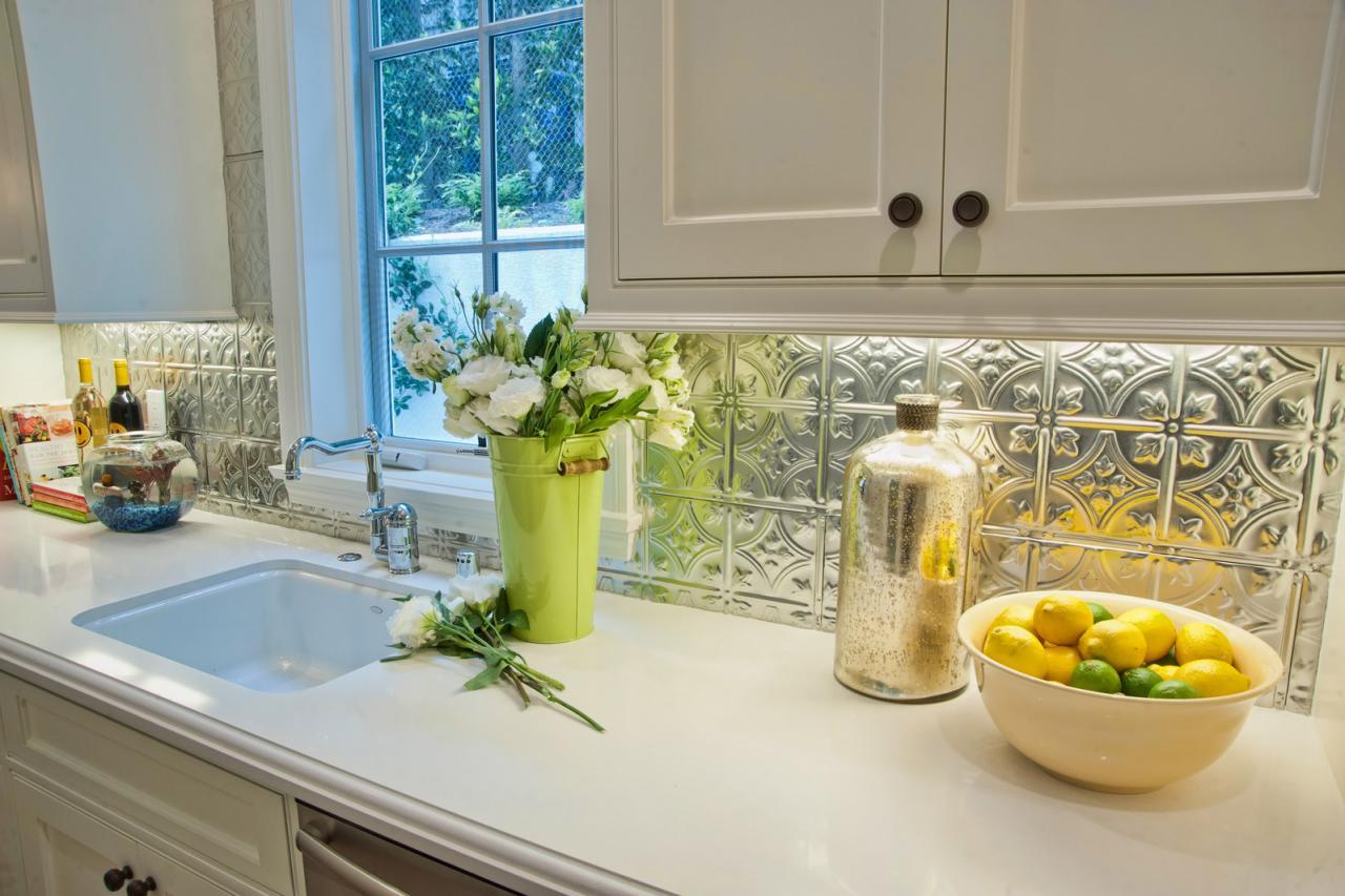 menentukan keramik dinding dapur sesuai budget anda